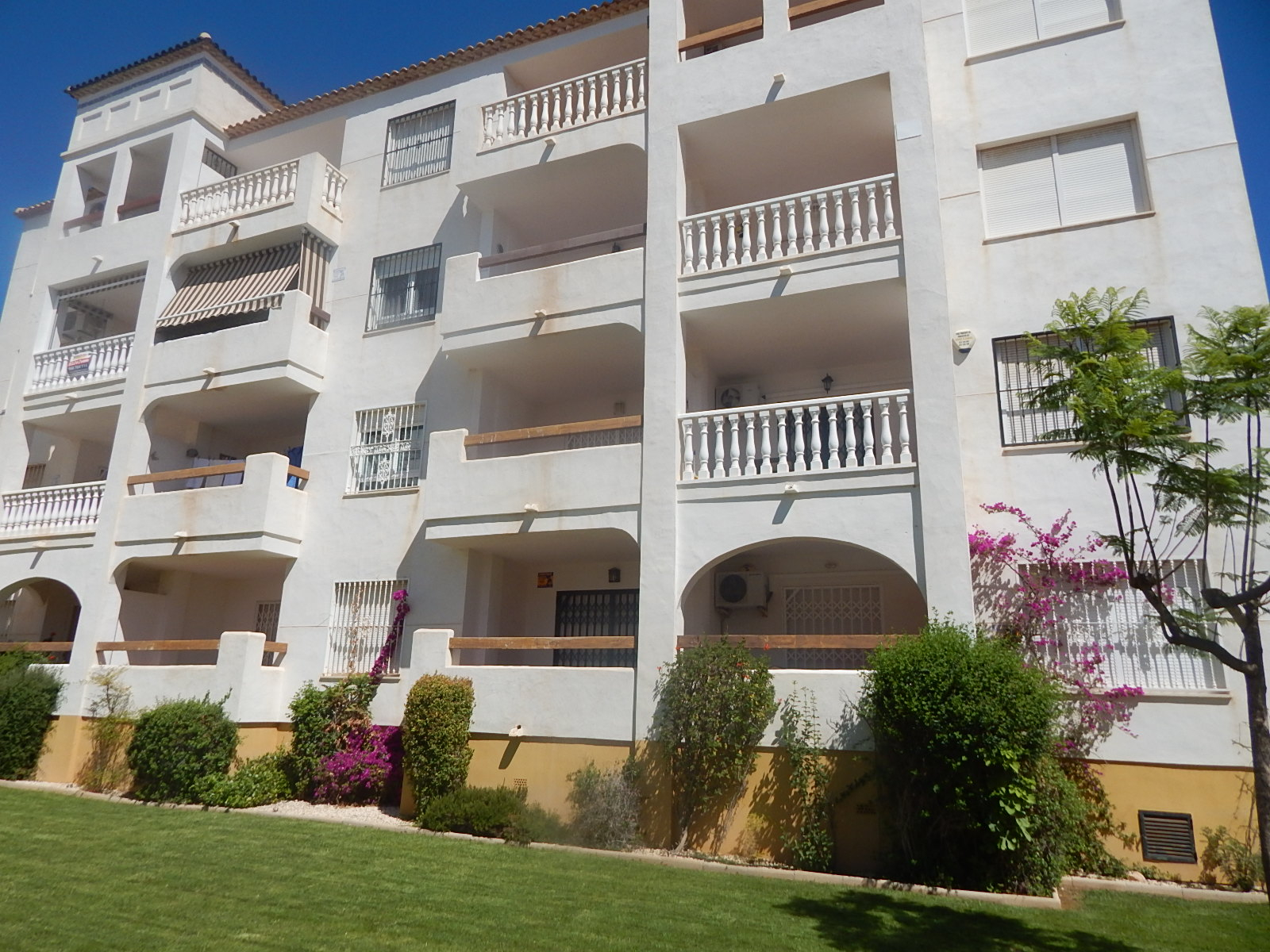 A two bedroom, two bathroom first floor apartment in the sought after area of Pau 8, within walking, Spain