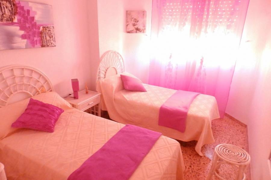 Resale - Apartment - Torrevieja - Habaneras