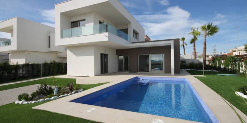 Discover the hidden paradise in a property for sale Costa Blanca South