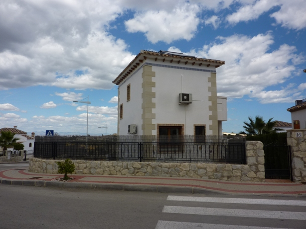 Resale - Villa - Algorfa - La Finca Golf Resort