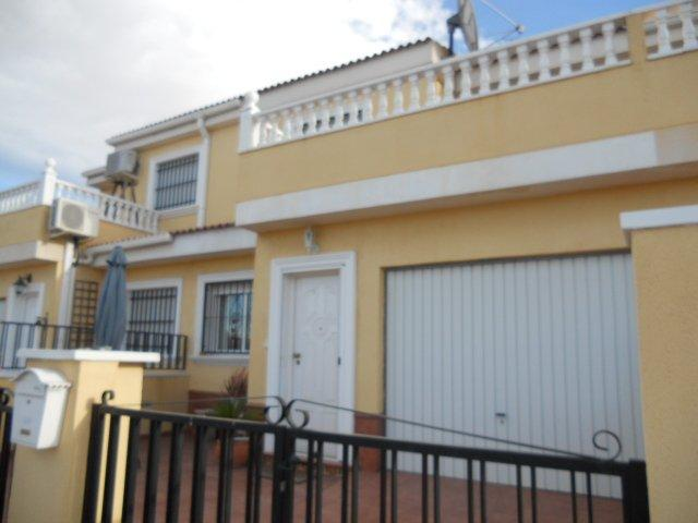 Resale - Townhouse - Catral - San Isidro