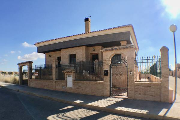 Villa - Resale - Los Montesinos - Los Montesinos