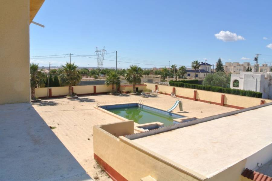 Resale - Villa - Los Montesinos - LOS MONTESINOS