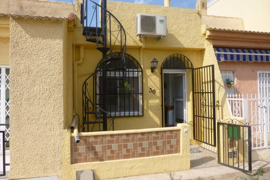 Resale - Townhouse - La Marina
