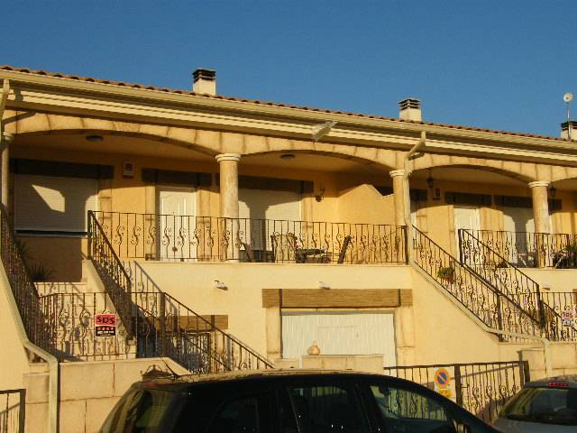 Resale - Townhouse - Daya Vieja