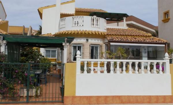 Villa - Resale - Los Nietos - Los Nietos