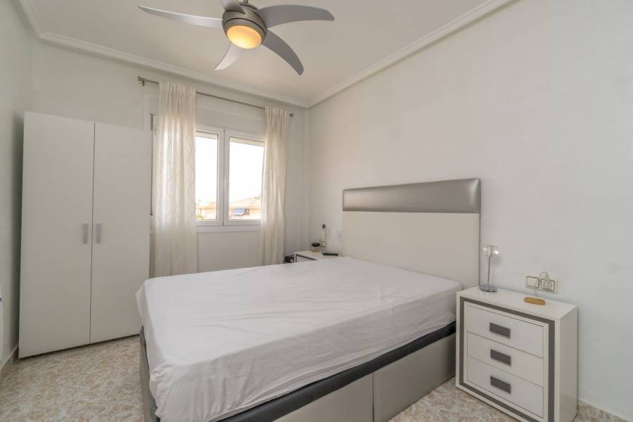 Resale - Villa - Torrevieja - Los Altos