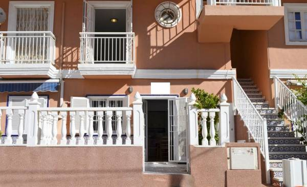 Townhouse - Resale - La Mata - La Mata