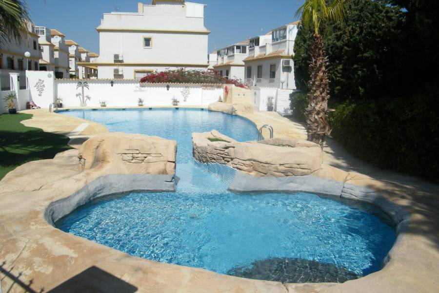 Resale - Townhouse - Algorfa